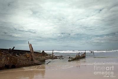 Photograph - The Wreck Of The Maheno by Linda Lees