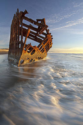 Peter Iredale Photograph - The Wreck Of The Peter Iredale by Richard Bitonti