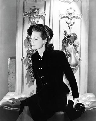 Thelma Photograph - Thelma Foy Wearing A Suit by Horst P. Horst