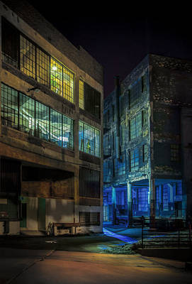 Shine Photograph - Third Ward Alley by Scott Norris