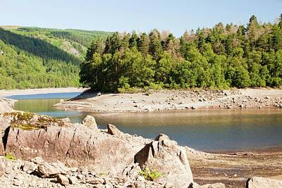 Dry Lake Photograph - Thirlmere Reservoir In Drought by Ashley Cooper