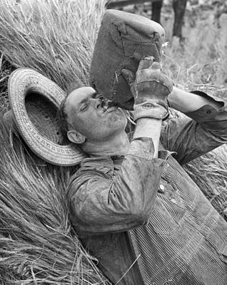 Water Jug Photograph - Thirsty Farm Worker by Underwood Archives