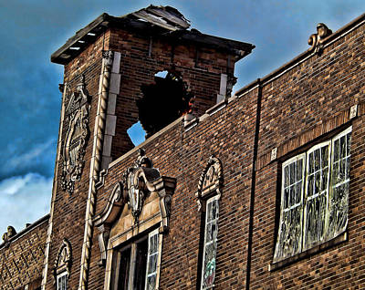 Photograph - This Building Is History by Kristie  Bonnewell
