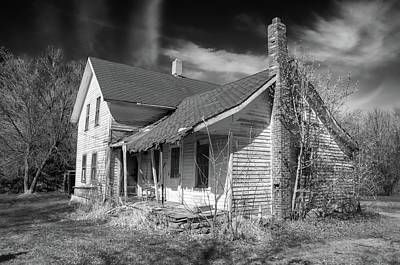 Photograph - This Old House by Guy Whiteley