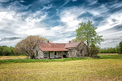 Photograph - This Old House by Victor Culpepper