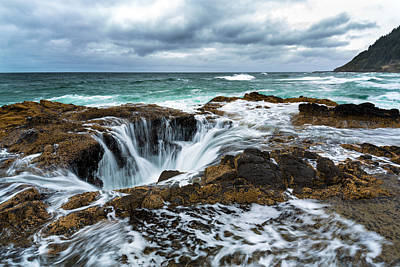 Tidal Photograph - Thor's Well by Robert Bynum