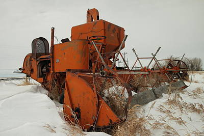 Thrashing The Snow Print by Jeff Swan