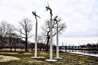 East River Drive Photograph - Three Angels In Winter by Bill Cannon