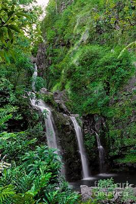 Photograph - Three Falls On The Road To Hana by Richard Lynch