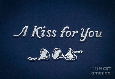 Three Kisses Art Print
