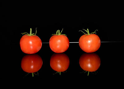 Three Red Tomatoes Original