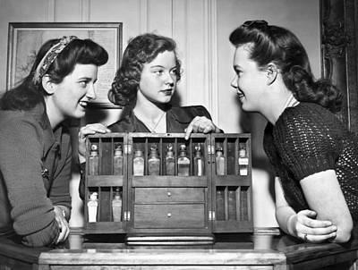 Three Women Examine Exhibit Art Print