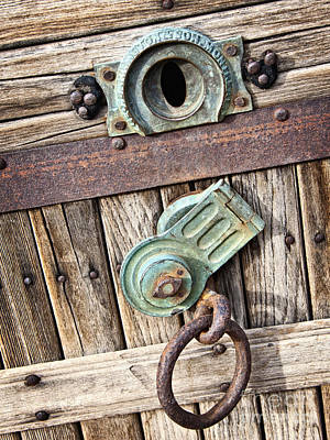 Photograph - Throw Away The Key by Lee Craig