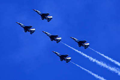 Photograph - Thunderbirds 5 With Contrails by Donna Corless