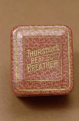 Gold-filled Photograph - Thurston's Perfect Breather by Science Photo Library