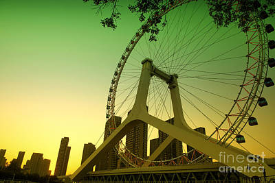 Photograph - Tianjin Eye  by Yew Kwang