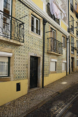 Photograph - Tile Walls Of Lisbon by Lucinda Walter