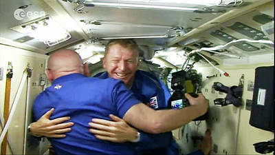 Tim Peake Arriving At Iss Art Print