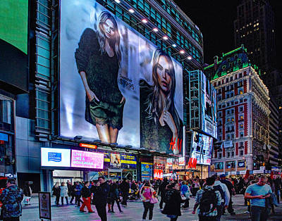 Photograph - Times Square 1504 by Jeff Stallard