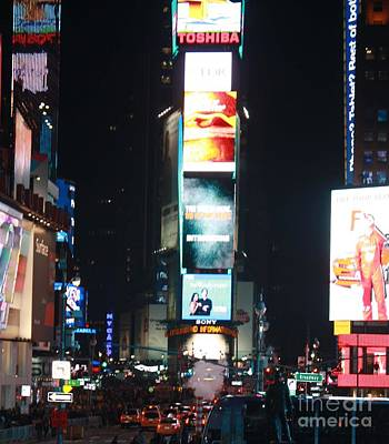 Photograph - Times Square At Night by John Telfer