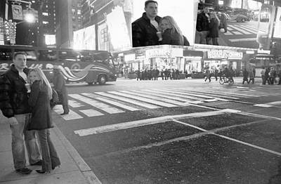 Photograph - Times Square Couple by Dave Beckerman