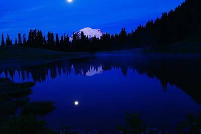 Tipoe Lake And Mount Rainer Art Print by Jeff Swan