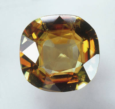 Single Object Photograph - Titanite Gemstone by Dorling Kindersley/uig