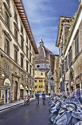 Photograph - To The Duomo by Maria Coulson