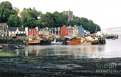 Tobermory Harbour Art Print by Mark Bowden