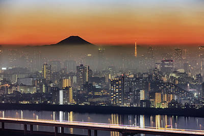 Skyscraper Photograph - Tokyo Mt Fuji Fog by Krzysztof Baranowski