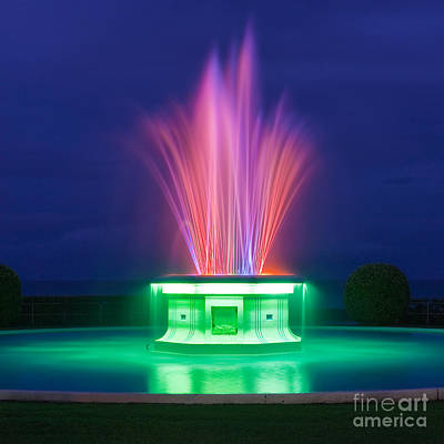 Tom Parker Photograph - Tom Parker Fountain by Henk Meijer Photography