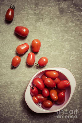 Photograph - Tomatoes by Edward Fielding
