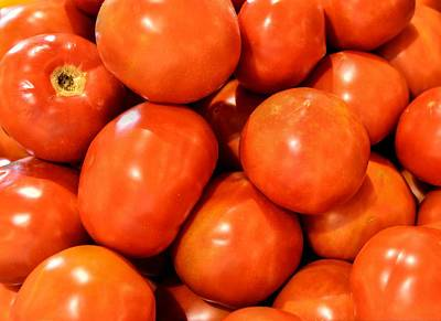 Photograph - Tomatoes In The Bin by Phil Rispin