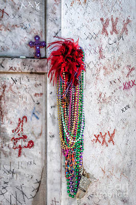Photograph - Tomb Of Marie Laveau New Orleans by Kathleen K Parker
