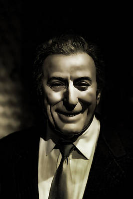 Photograph - Tony Bennett by Lee Dos Santos