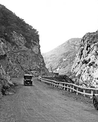 1922 Photograph - Topanga Canyon Road In La by Underwood Archives