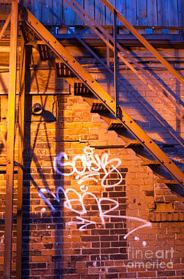 Toronto Photograph - Toronto Alley by Joe Fantauzzi