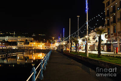 Photograph - Torquay Victoria Parade At Night by Terri Waters