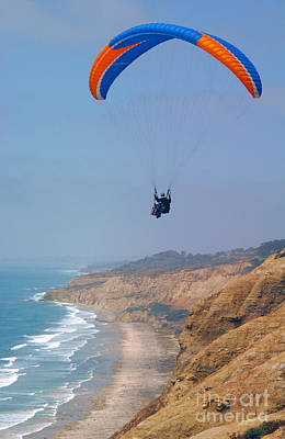 Torrey Pines Paragliders Print by Anna Lisa Yoder