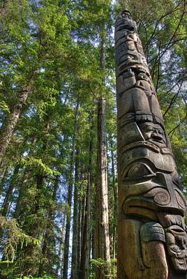 Totem Pole Art Print by David Andersen