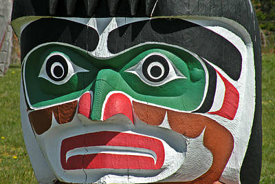 Photograph - Totem Pole Face by Brian Chase