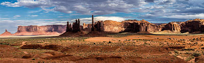 Photograph - Totem Pole In Monument Valley by Levin Rodriguez