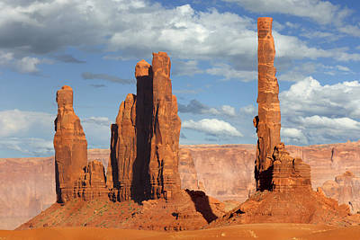 Totem Pole Photograph - Totem Pole - Monument Valley by Mike McGlothlen