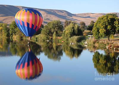 Touchdown On The Yakima River Art Print by Carol Groenen
