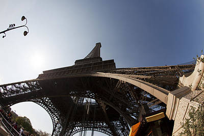 Photograph - Tour Eiffel 5 by Art Ferrier