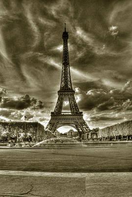 Photograph - Tour Eiffel  by Michael Kirk