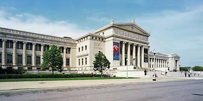 Tourist Near A Field Museum, Chicago Art Print