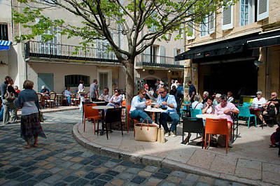 Tourists At Sidewalk Cafes, Lourmarin Art Print