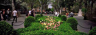 Washington Square Park Photograph - Tourists In A Park, Washington Square by Panoramic Images