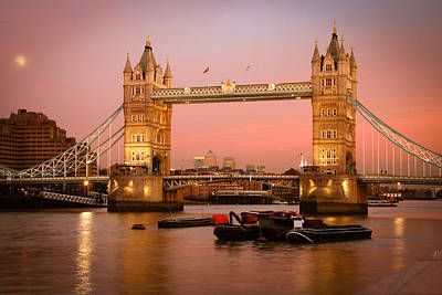 Photograph - Tower Bridge by Celso Diniz